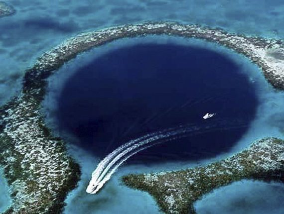Blue Hole Scenic Flight - Blue Hole Charter - Lighthouse Reef - Anda De Wata Tours