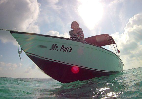 Anda De Wata Tours - Boat - Mr Pott's -Snorkel Tours - Snorkeling Belize