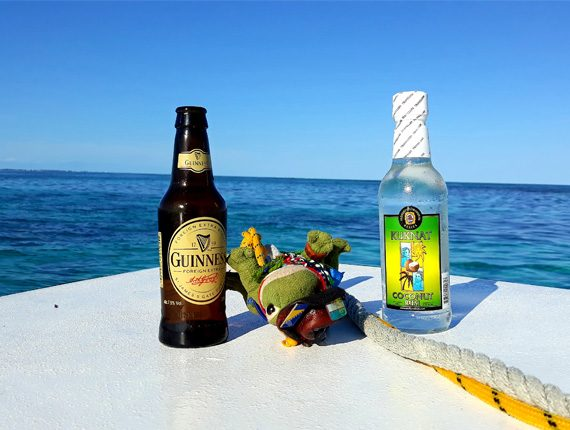 Goff's Caye Special - Snorkel Tours - Anda De Wata - Tropical Island - Goff's Caye Island - Sand Dune drinks