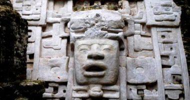 Lamanai - The mask Temple - Inland Adventures - Anda De Wata Tours - Climb Belize's tallest temples
